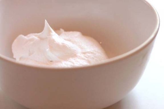 Vanilla Whipped Cream Frosting