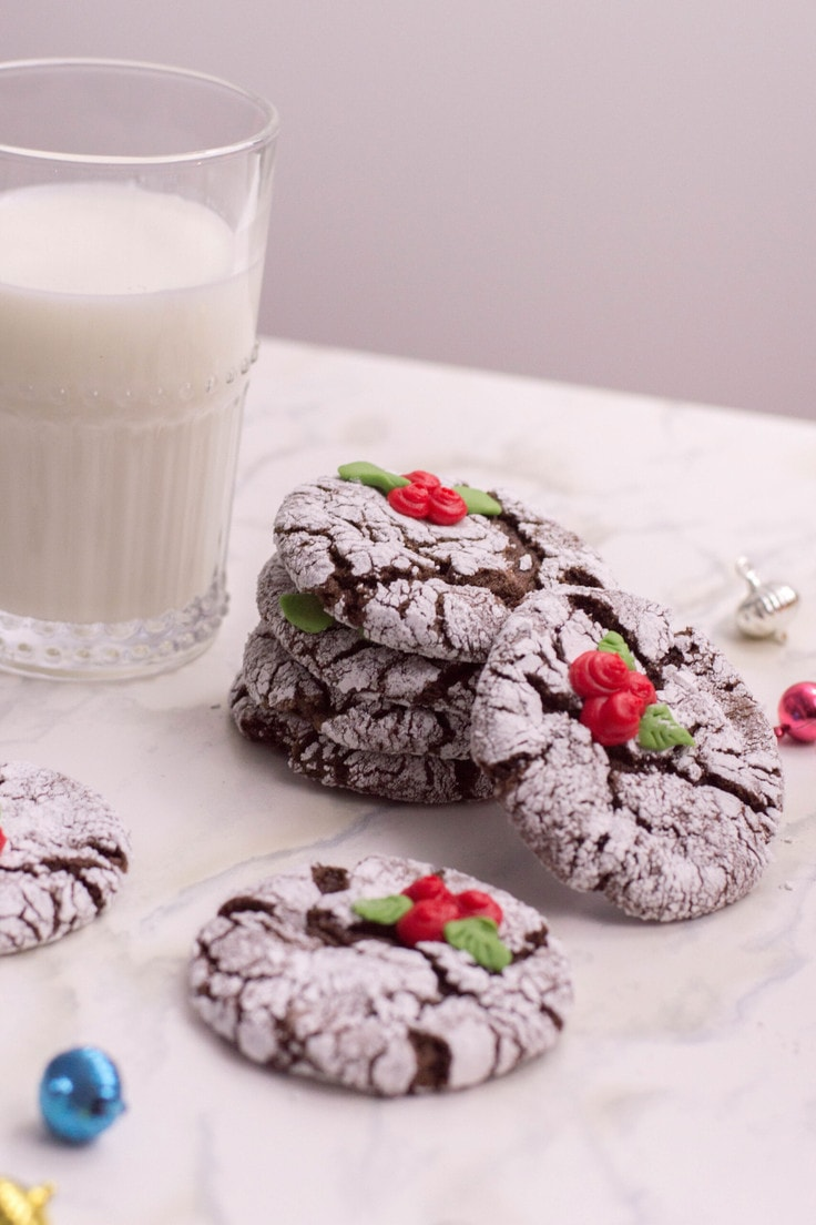 Giving my favourite crinkle cookie recipe a holiday makeover.