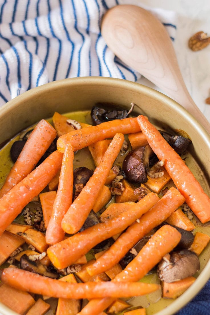 My recipe for roasted fall vegetables is exactly what you need this season. It's easy and delicious and a perfect way to add some color to your next family meal. #roastedvegetables