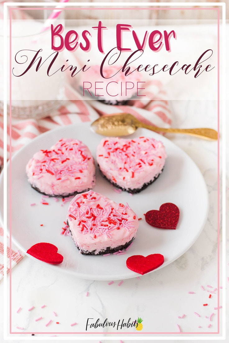 These heart-shaped mini cheesecakes are the perfect romantic dessert. Easy to make and even easier to eat up! #nobakecheesecake #valentinedessert
