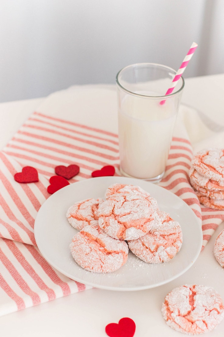 These pink crinkle cookies are super easy to make and have a pop of color that makes them so cute! #crinklecookies