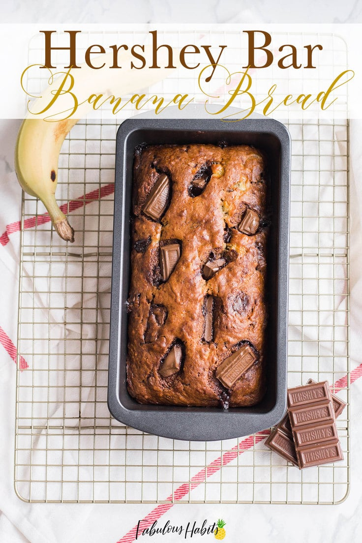 This Hershey Bar Banana Bread brings in two family favourites: the taste of a classic Hershey bar and comfort of a classic banana loaf. #bananabreadrecipe