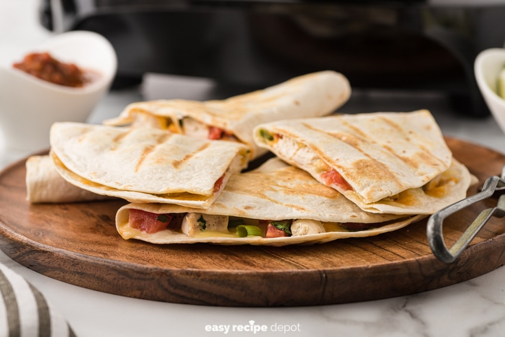 chicken quesadillas with tomatoes and onions